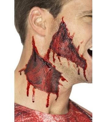 Tatouage transfert peau arrachée sanglante