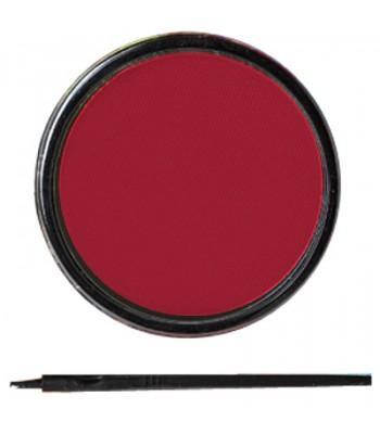 Maquillage rouge à l'eau avec pinceau