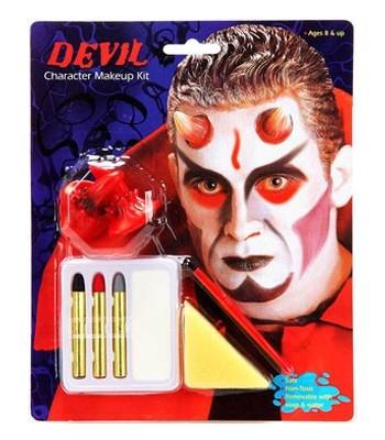 Maquillage diable avec cornes