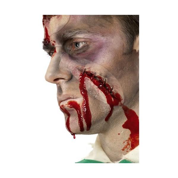 cicatrice avec agrafes et faux sang la magie du deguisement costume et maquillage pour halloween. Black Bedroom Furniture Sets. Home Design Ideas