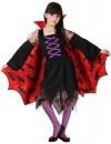 deguisement de vampire fille halloween avec robe et cape chauve-souris